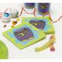 Monster tema til børnefødselsdag til en monster fest - Flot engangsservice med servietter med monster på.