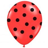 Røde balloner med sorte prikker